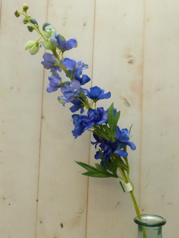 Kunstridderspoor delphinium groot op steker blauw