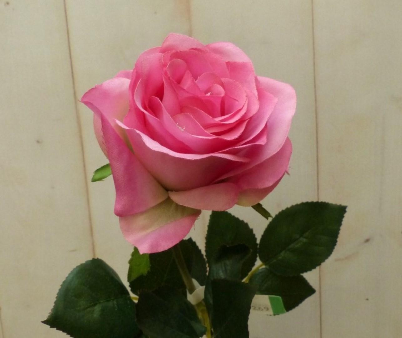 Kunstroos op steker roze