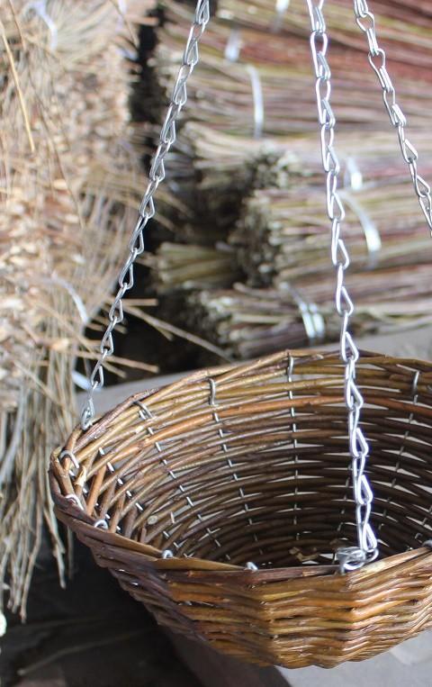 Wilgen hanging basket D28