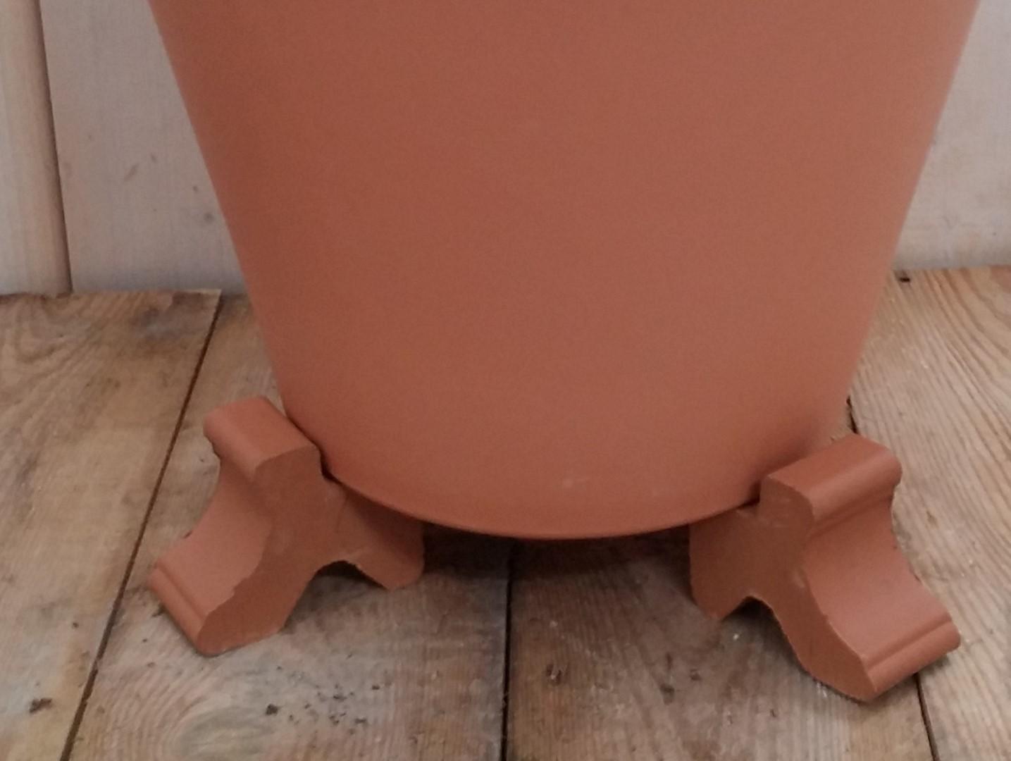 Potcomponent Potzetter Lichtbruin 3 stuks voor een ronde pot
